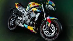 Triumph Street Triple RS promozionale di Harley Quinn