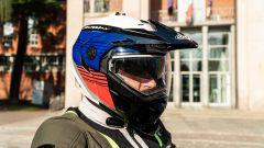 Triumph Tiger 850 Sport 2021, casco Caberg Tourmax