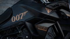 Triumph Tiger 900 Bond Edition 2022: prezzo, dettagli, foto