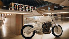 Triumph Trident 2021 al museo del design di Londra