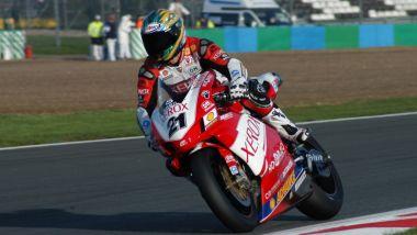 Troy Bayliss sulla Ducati 999