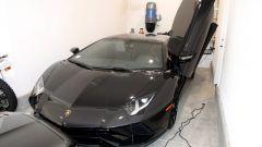 Truffa fondi Covid, tra le spese pazze anche una Lamborghini Aventador S...