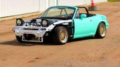 Tuning: questa Mazda MX-5 prima serie riceve un motore V8