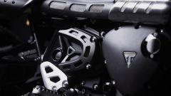 Tutti i dettagli della Triumph Scrambler 1200 Bond Edition sono neri
