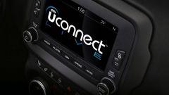 Fiat Chrysler, l'aggiornamento Uconnect blocca il sistema infotainment