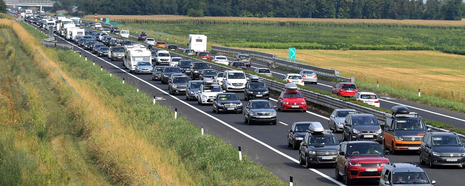 Ultimo weekend di agosto, previsto traffico molto intenso