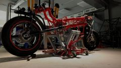 Un altro dettaglio del telaio a traliccio di tubi della EMP Mig X, la moto elettrica creata dagli studenti del Politecnico di Mo