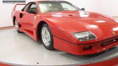Un altro punto di vista della Ferrari F40 replica