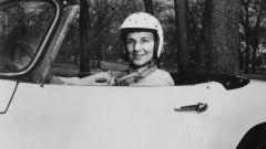 Un altro ritratto della giornalista/pilota Denise McCluggage
