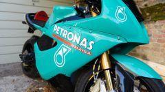 Un dettaglio della livrea della Petronas FP1
