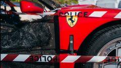 Un impressionante dettaglio della Ferrari F40 bruciata a Monaco
