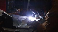 Un momento della lavorazione della Lamborghini Aventador