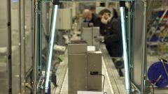 Un passaggio della produzione dei respiratori in Seat