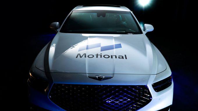 Un robotaxi di Motional su base Hyundai Genesis a guida autonoma