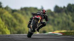 Una bella impennata con la Ducati Streetfighter V4 S