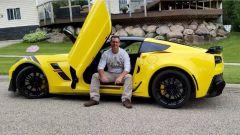 Una Chevrolet Corvette C7 per un uomo non vedente dalla nascita