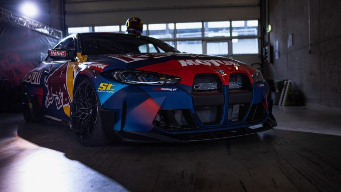 Una delle BMW M4 Competition preparata dai Red Bull Driftbrothers