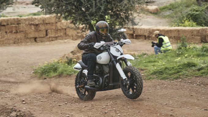 Una divertente gara di Hill Climb durante l'evento Harley-Davidson Triple S