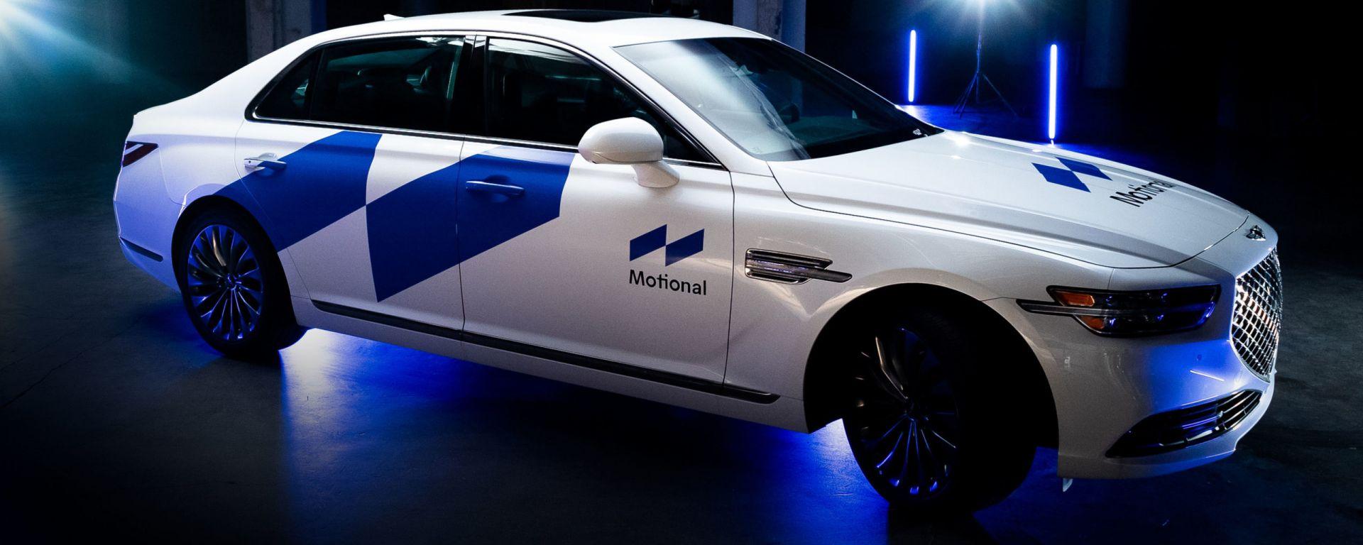 Una Hyundai Genesis a guida autonoma del servizio Motional
