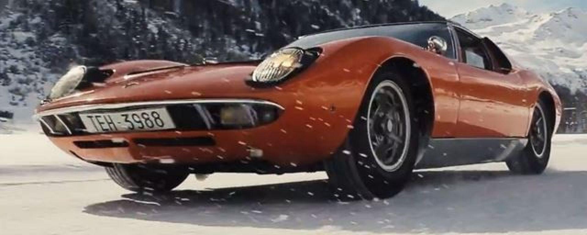 Una Lamborghini Miura...sulla neve