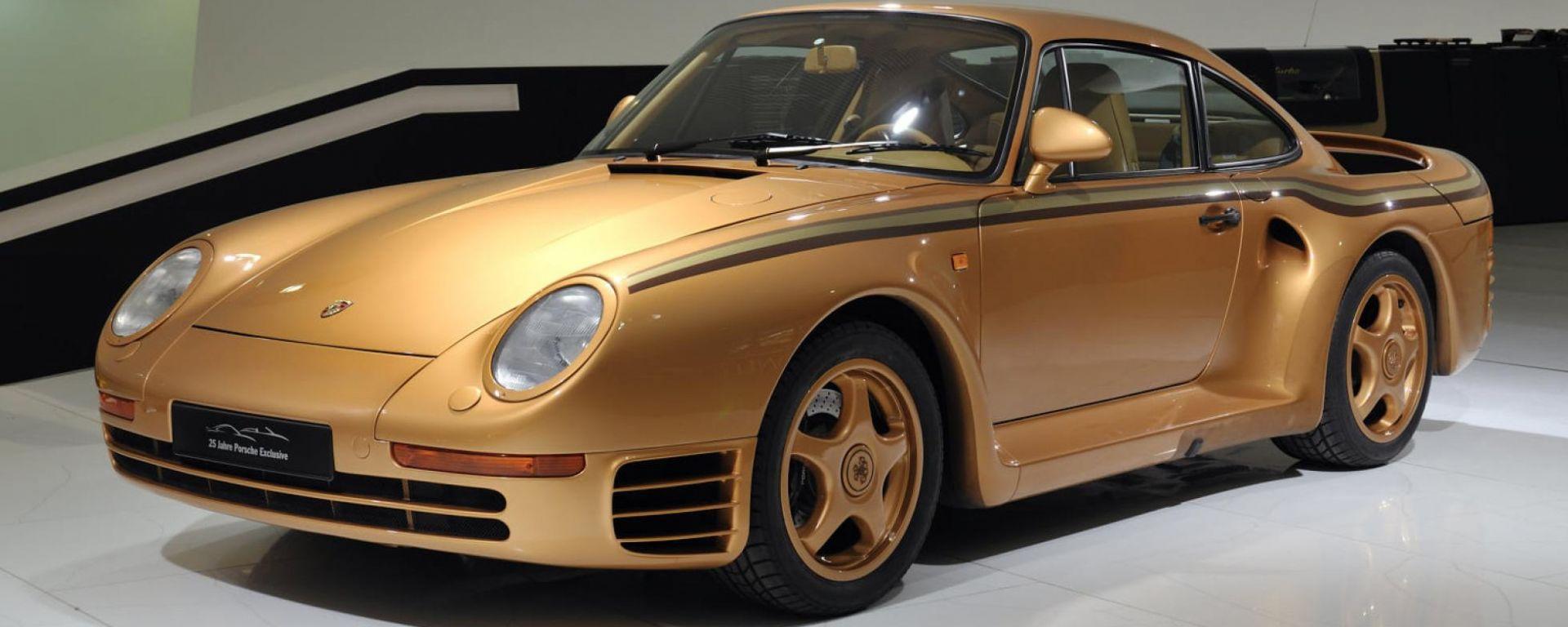 Una Porsche 959 tutta d'oro al Museo Porsche di Stoccarda