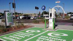 Auto elettrica, progetto Anas colonnine di ricarica in autostrada