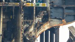 Uno sguardo dentro la nave cargo che conteneva oltre 4000 auto