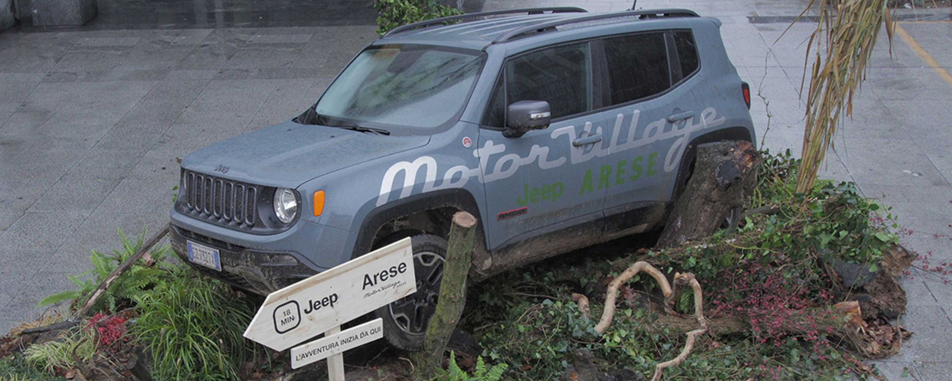 Urban Forest: una Jeep Renegade in piazza a Milano
