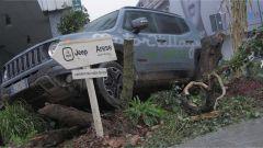 Urban Forest: una Jeep Renegade in piazza a Milano - Immagine: 6