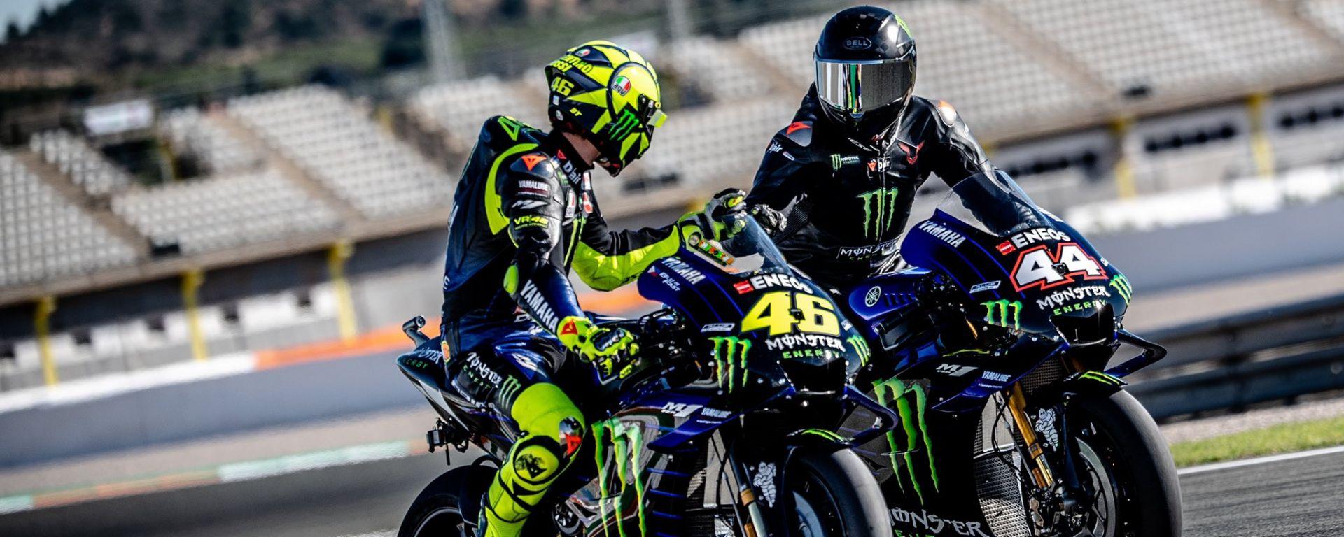 Valencia, Valentino Rossi e Lewis Hamilton sulla Yamaha M1 MotoGP
