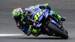 Valentino Rossi in azione sulla Yamaha M1