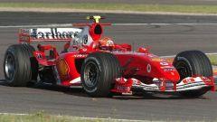Valentino Rossi in Ferrari, con la F2004 a Fiorano
