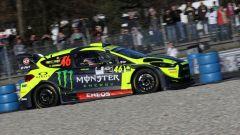 Valentino Rossi in testa: troppo forte anche per Suninen