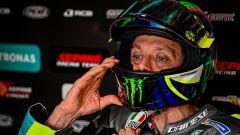 Valentino Rossi nel box Yamaha Petronas
