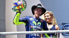 Valentino Rossi sul podio del COTA statunitense