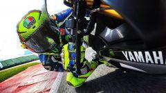 MotoGP 2017: Valentino Rossi forza i tempi e gira con una R1M a Misano