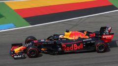 Verstappen in pista all'Hockenheimring con la sua Red Bull