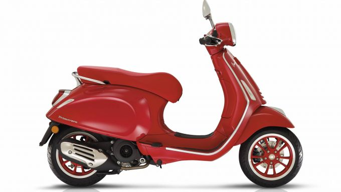 Vespa 125 (RED)