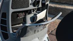 Vespa GTS 300 HPE SuperTech: il vano dietro lo scudo