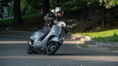 Vespa GTS 300 HPE SuperTech: stabile e sicura