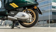 Vespa Sprint 125 Racing Sixties: motore 4 tempi ad aria,125 cc monoalbero, 3 valvole e 10,4 CV