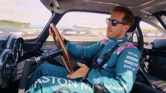 Video: Vettel, Stroll, Brundle e gli stunt di 007 No Time To Die