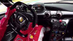 Vettel alla guida della Ferrari FXX K - Immagine: 6
