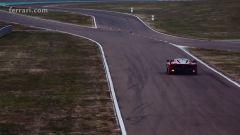 Vettel alla guida della Ferrari FXX K - Immagine: 4