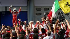 Vettel festeggia sul podio della Malesia nel 2016
