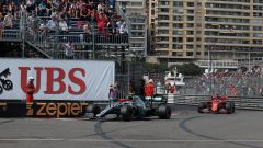 Vettel in pista a Monaco dietro le Mercedes