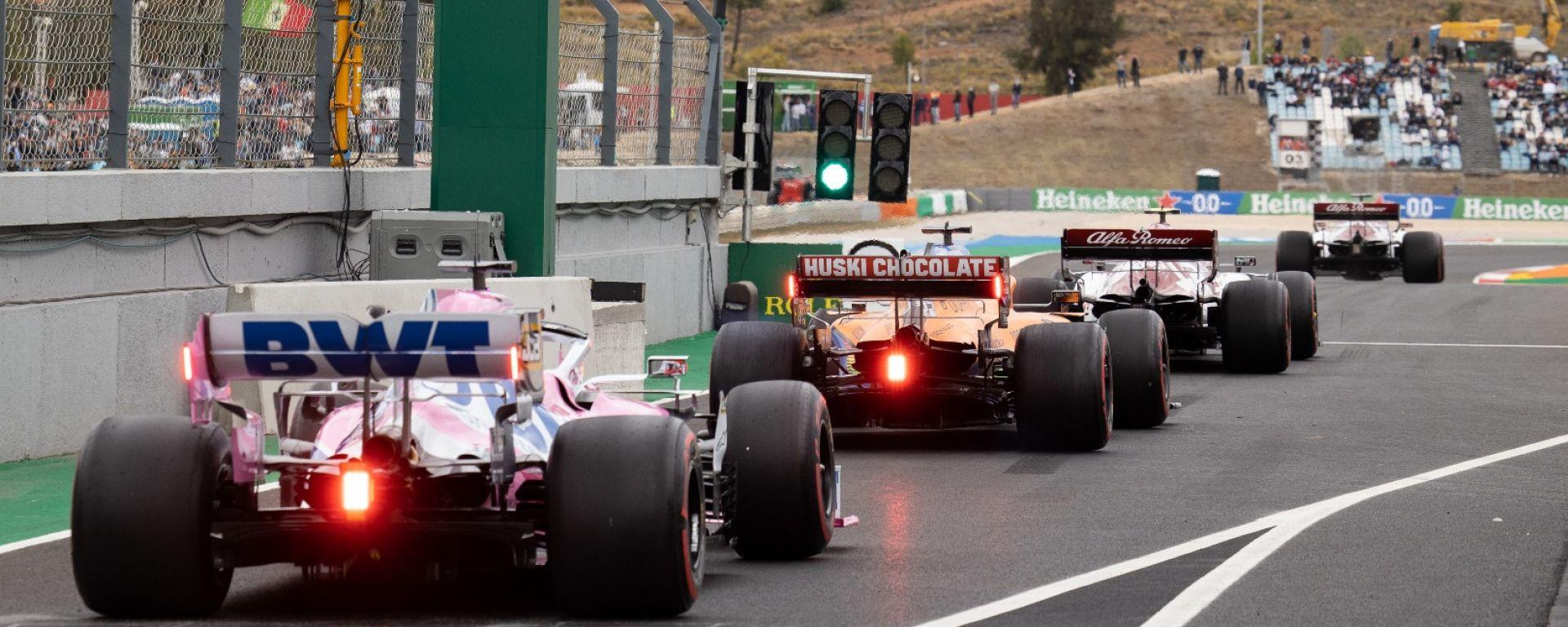 Vetture escono dalla Pitlane, F1 2021