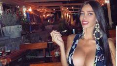 Modella di Playboy al volante: la Lamborghini finisce in piscina - Immagine: 2