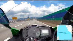 Si filma a 300 km/h in moto su un ponte: ora rischia il carcere - Immagine: 1
