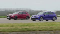 VW Golf R vs AMG A45 S, la madre di tutte le drag race. VIDEO - Immagine: 1